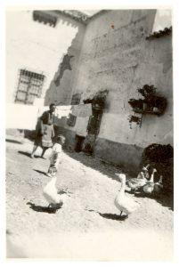 Foto de la familia de Federico n el patio